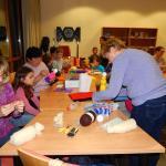 Bábkészítő foglalkozás a Cserregő bábtársulattal (2014. október 30.)